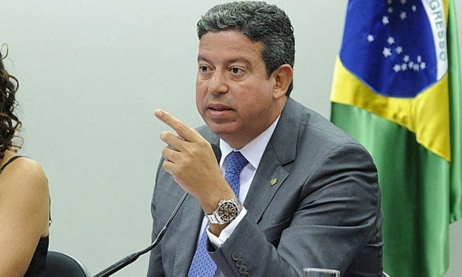 PGR denuncia deputado Arthur Lira e pede perda de mandato