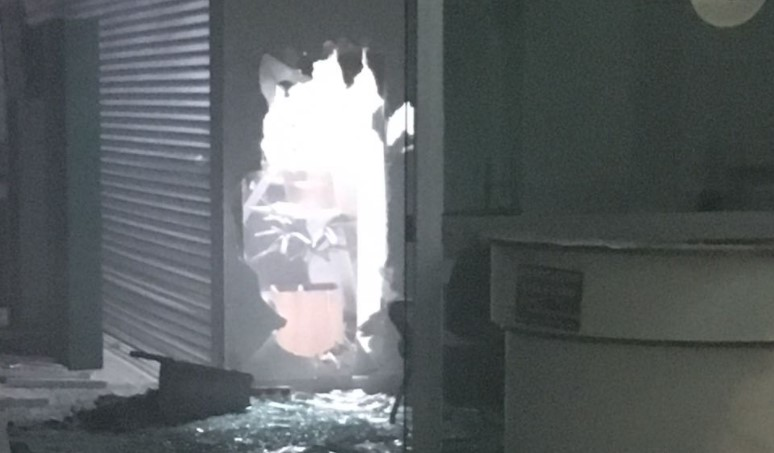 Assaltos simultâneos terminam com explosões, tiroteio e reféns em Campo Alegre de Goiás
