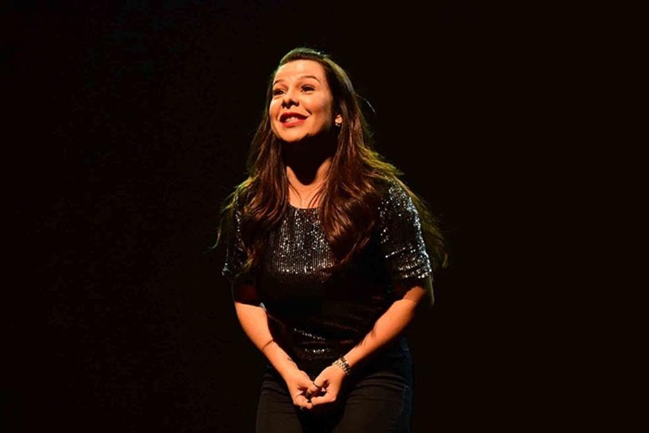 Fernanda Souza apresenta 'Meu Passado Não Me Condena' em Goiânia e Anápolis