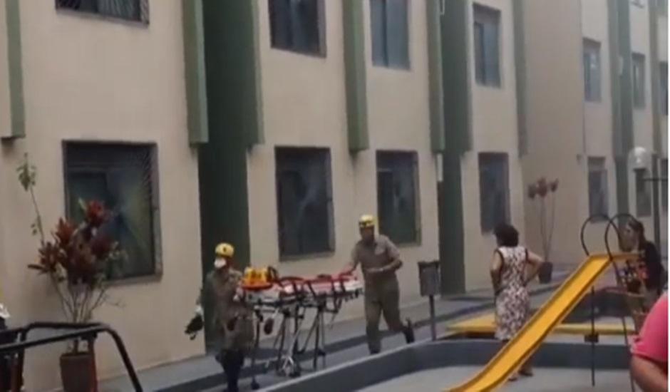 Incêndio em apartamento deixa uma pessoa ferida na Vila Jaraguá, em Goiânia