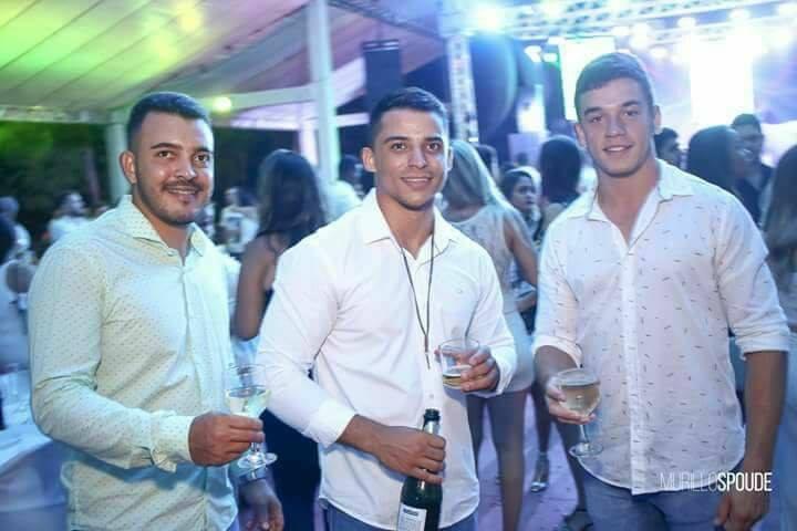 Três amigos morrem em acidente, em Mineiros