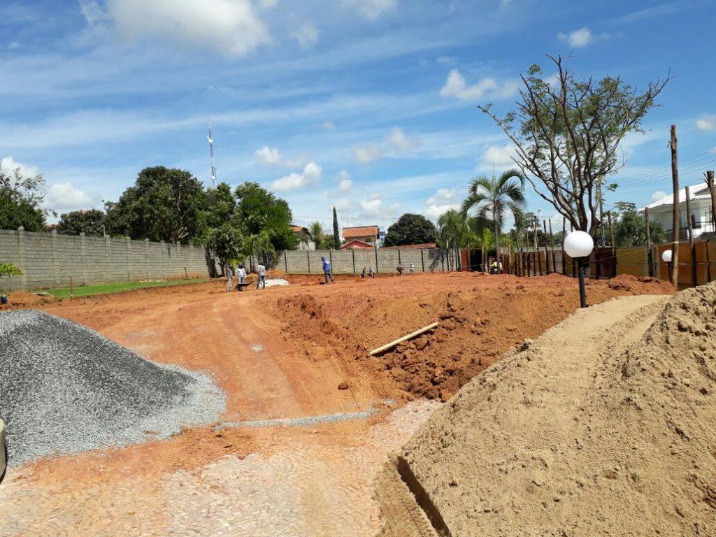 Moradores denunciam construção quadras de tênis em terreno público no Jardins Madri