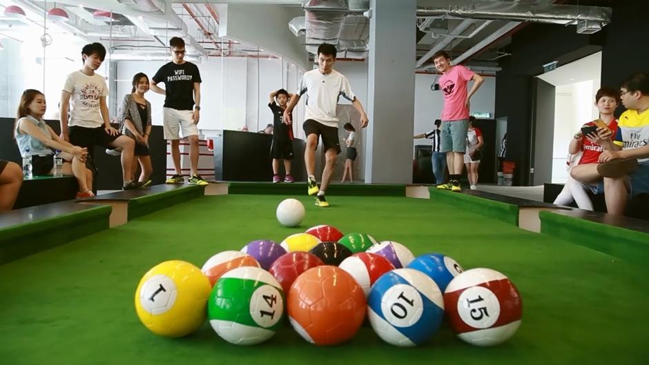 Shopping traz jogo que mistura sinuca com futebol para Goiânia