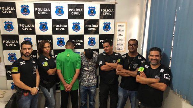 Adolescente é apreendido e comparsa é preso por assassinar homem com três tiros, em Valparaíso
