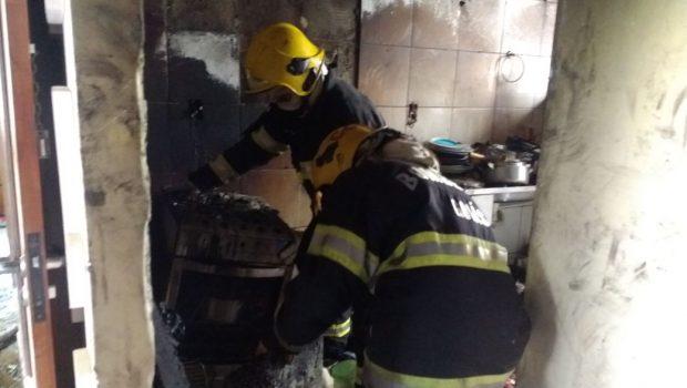 Morre idosa que sofreu queimaduras após incêndio em apartamento, em Goiânia