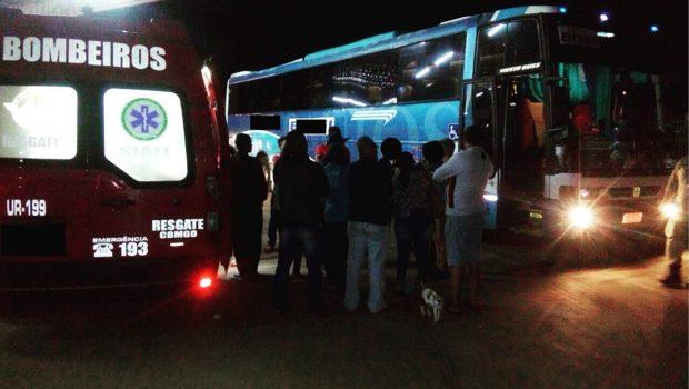 Passageira é baleada durante tentativa de assalto em ônibus, no Distrito Federal