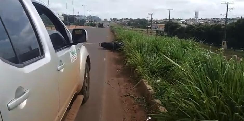 Motociclista morre após colidir com traseira de caminhonete na BR-060, em Rio Verde