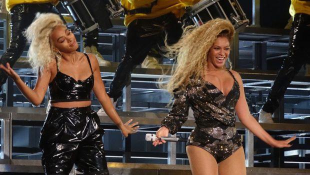 Beyoncé retorna aos palcos após gêmeos e faz história em Coachella com show inesquecível