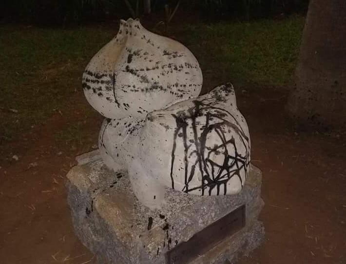 Estátua de Pokémon em Suzano já foi vandalizada