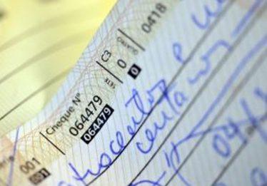 Taxa de juros do cheque especial sobe para 324,7% ao ano