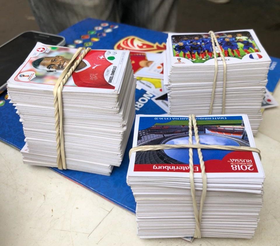 Figurinhas da Copa movimentam bancas de revista em Goiânia