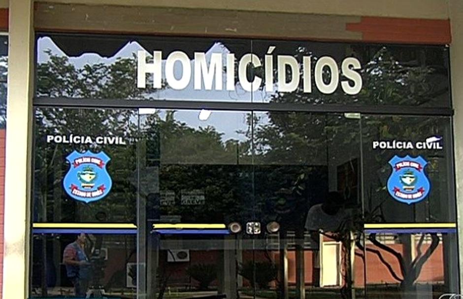 Jovem é morto a tiros em bar do Setor Leste Universitário, em Goiânia