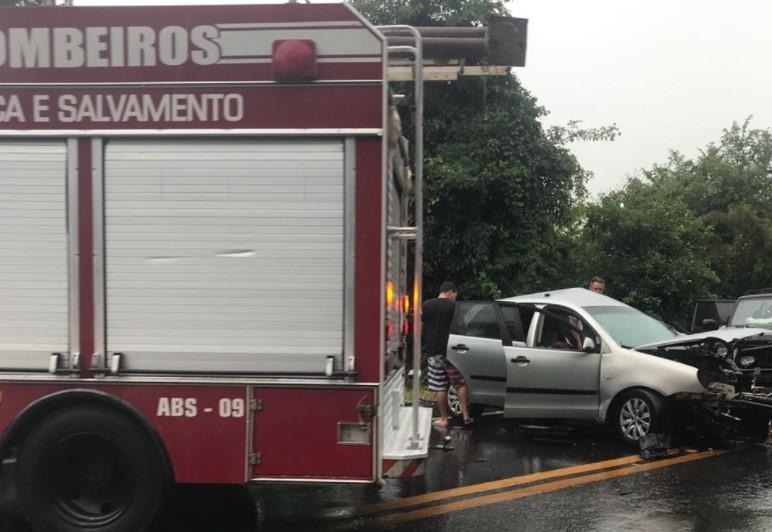Colisão entre quatro veículos deixa um morto e cinco feridos na GO-060 próximo a Claudinápolis