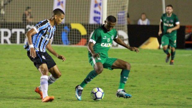 Goiás é dominado e perde para o Grêmio no Serra Dourada