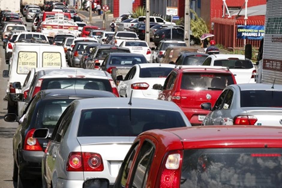 Donos de carros com mais de dez anos de uso deverão pagar IPVA em Goiás