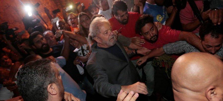 Maioria vê como justa prisão de ex-presidente Lula