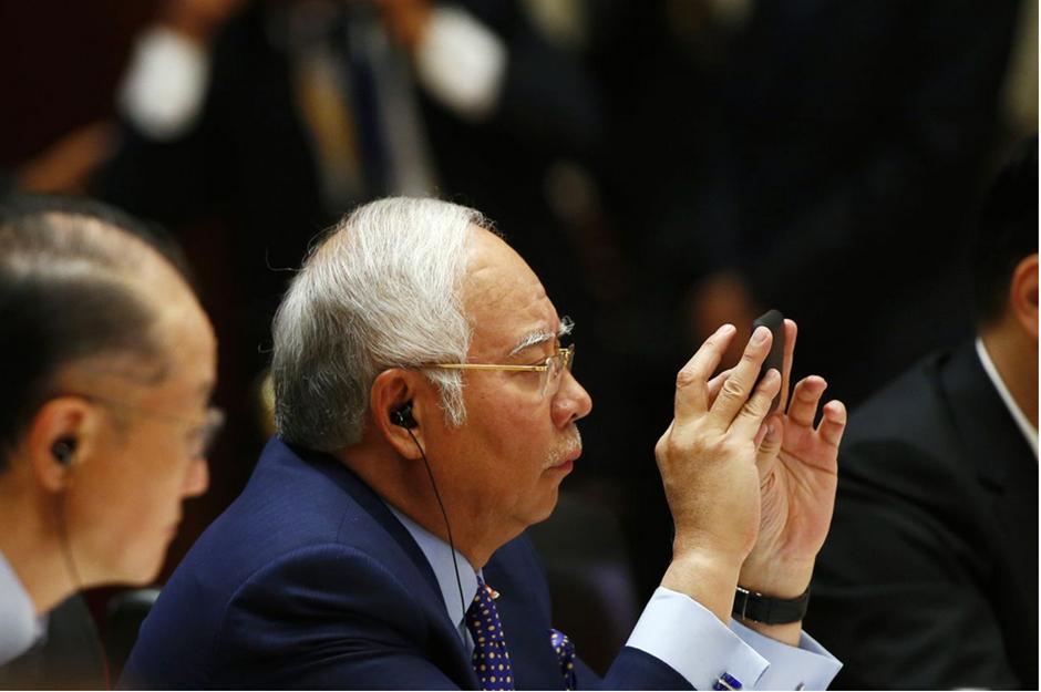 Malásia aprova lei que condena pessoas que propagarem 'fake news'