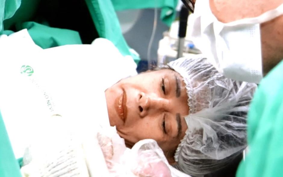 Aos 64 anos, mulher dá à luz a primeira filha em Belo Horizonte