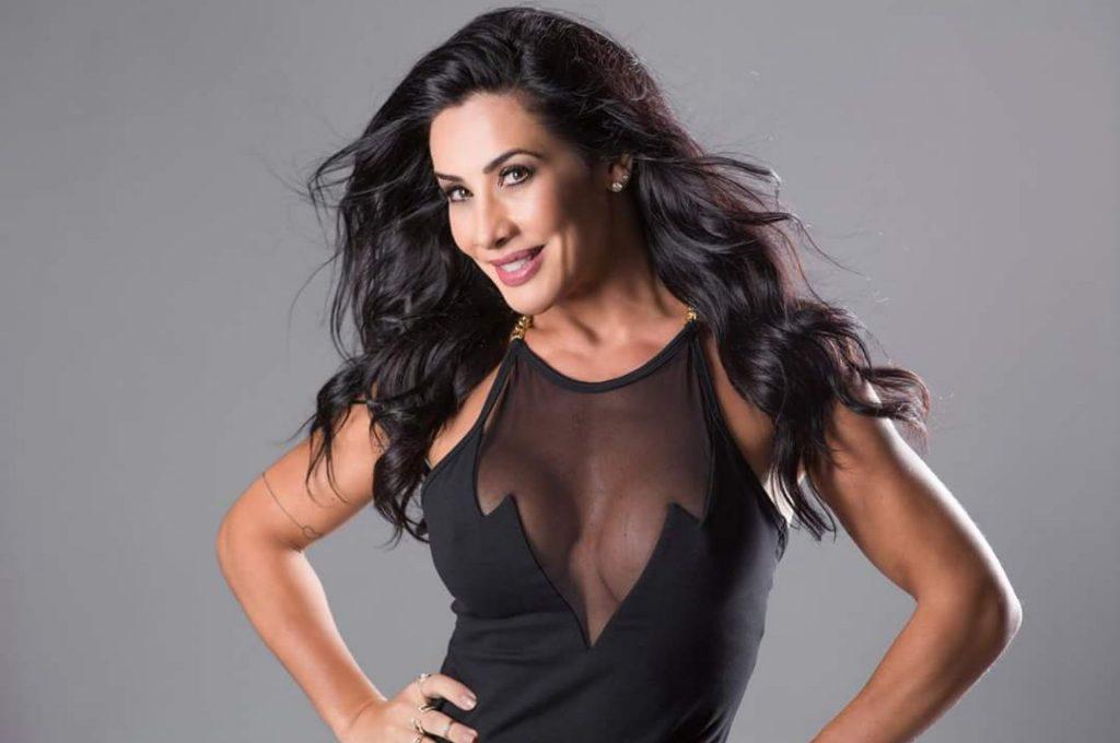 Scheila Carvalho processa ex-amante de seu marido por danos morais