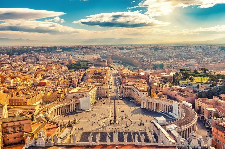 Sacerdote é preso no Vaticano por pornografia infantil