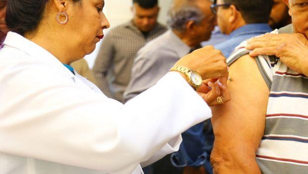 Goiânia imuniza mais de 47 mil pessoas no primeiro dia de campanha contra a gripe