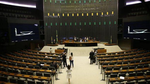 Apesar de agenda cheia e com votações importantes, Câmara começa semana esvaziada