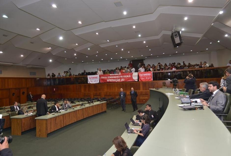 Assembleia aprova projeto que prevê eleições diretas para diretor nas escolas estaduais