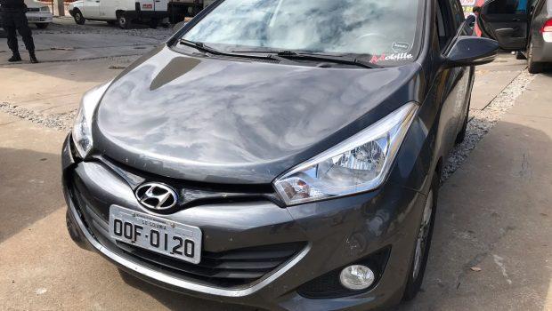 Polícia prende suspeito que trafegava em carro roubado pelo Setor Leste Vila Nova