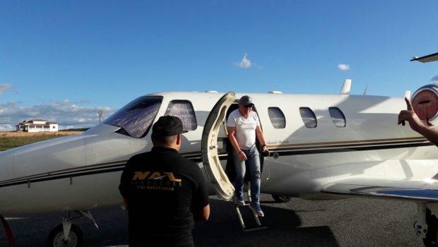 """""""Pensei que iria morrer"""", diz Amado Batista sobre pouso forçado de avião"""