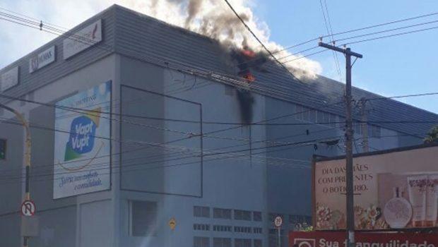 Incêndio em Shopping em Rio Verde, na região Sudoeste do Estado, é controlado