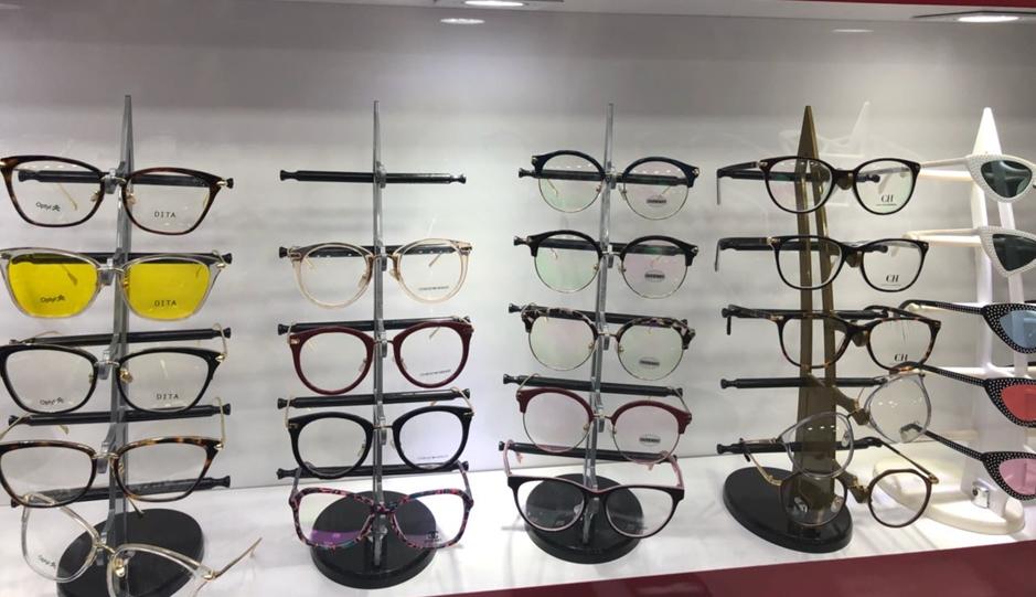 Polícia apreende 12 mil óculos falsificados em Goiânia