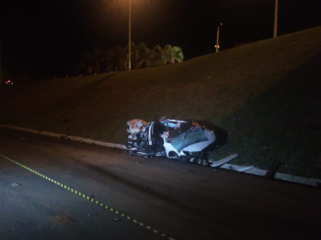 Três jovens morrem e um fica ferido em acidente na GO-020, próximo ao Alphaville Flamboyant