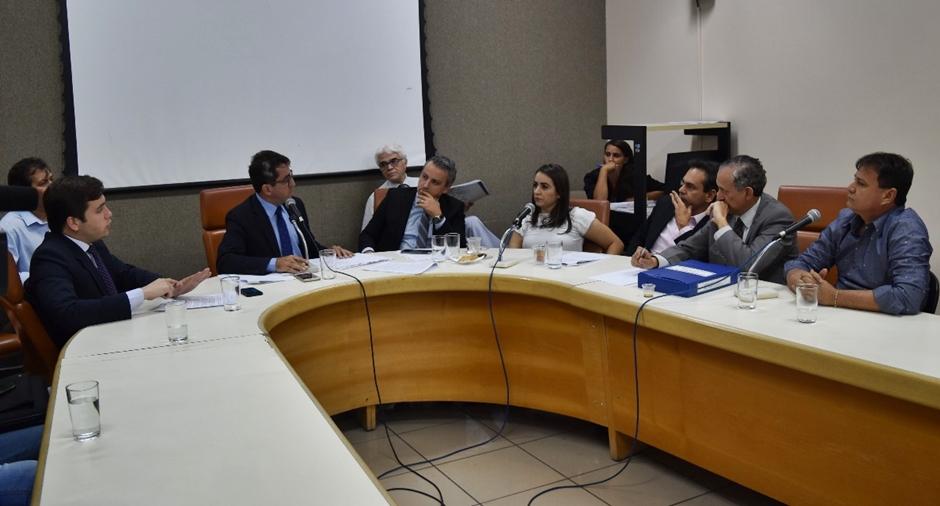 Relatório final da CEI do Mau Cheiro isenta prefeito de Goiânia