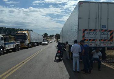 Em Goiás, caminhoneiros fazem manifestação em 61 rodovias
