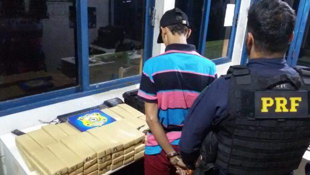 Menor é apreendido com 68 tabletes de maconha em transporte coletivo