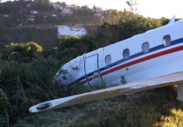 Avião com DJ Alok sai da pista em aeroporto de Juiz de Fora; DJ passa bem
