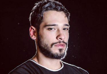 """No ar em """"3%"""", Bruno Fagundes fala sobre hiato na televisão"""