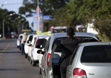 Gasolina e álcool começam a faltar em vários postos de Brasília