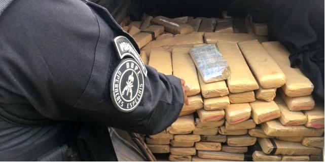 Três pessoas são presas com mais de 500 quilos de maconha, em Aparecida de Goiânia