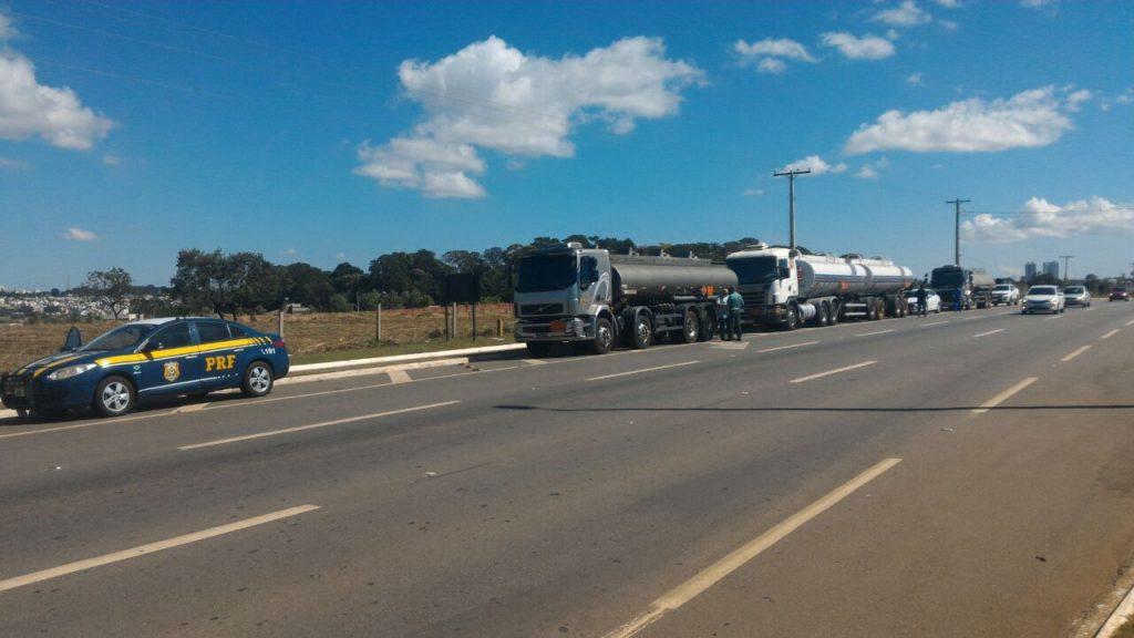 PRF e PM escoltam cargas de combustível para Goiânia e interior de Goiás
