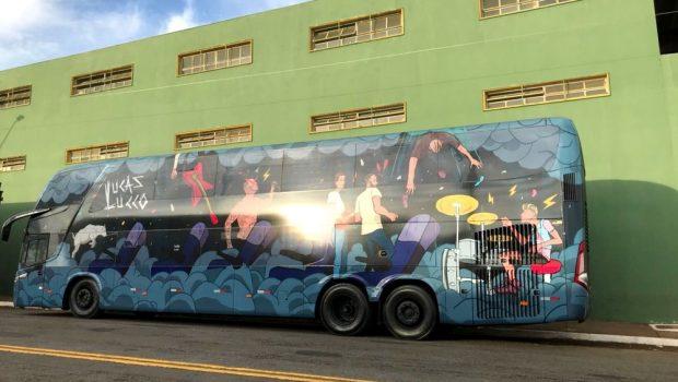 Ônibus que transportava banda de Lucas Lucco é assaltado em Minas Gerais