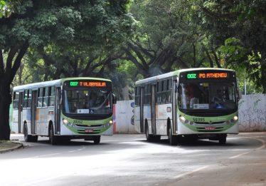 Usuários reclamam da mudança nos horários dos ônibus no dia de jogo, em Goiânia
