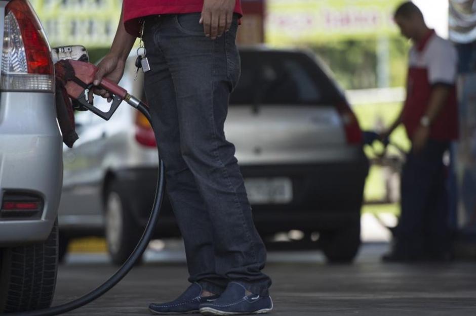 Procon e MP estão monitorando preços de combustíveis em Goiás