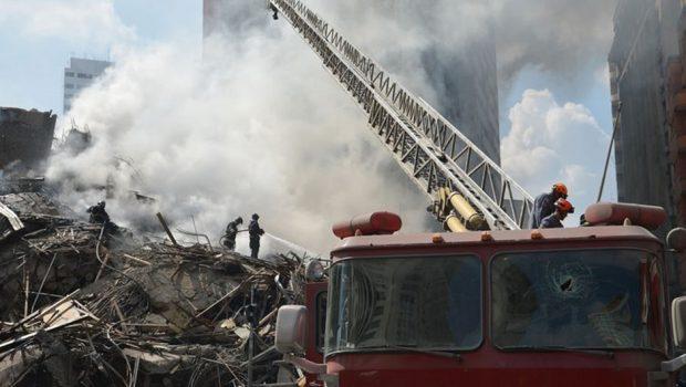 Após 11 dias, bombeiros descartam vida sob entulho de prédio em São Paulo