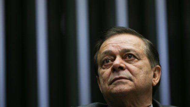 Investigado por corrupção em ministério, sobrinho de deputado se entrega à PF