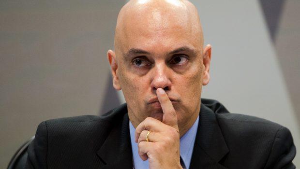 Alexandre de Moraes derruba restrição ao porte de armas de guardas municipais
