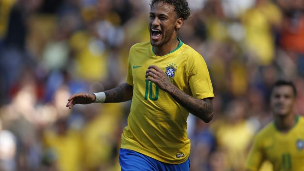 Com golaço de Neymar no seu retorno, Brasil vence Croácia em amistoso