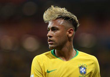 'Não tem medo', diz cabeleireiro sobre mudanças de visual de Neymar