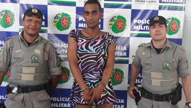 Travesti foragida da Justiça é presa em Goiânia