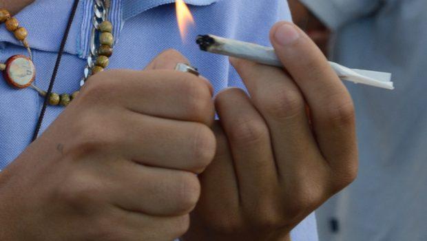 2 em cada 3 americanos acham que fumar maconha é moralmente aceitável